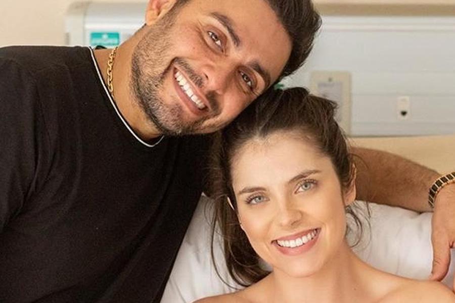 Mano Walter anuncia nascimento do primeiro filho e enaltece força da mulher, Débora